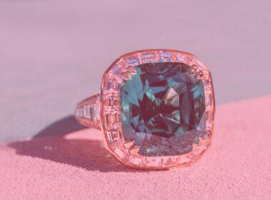 Как выбирать вечерние кольца с камнями